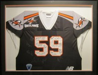 Sports Memorabilia & Collectibles Sports Memorabilia & Collectibles Team Signed Outlaws Jersey