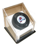 Sports Memorabilia & Collectibles Sports Memorabilia & Collectibles Patrick Roy Signed Puck with case