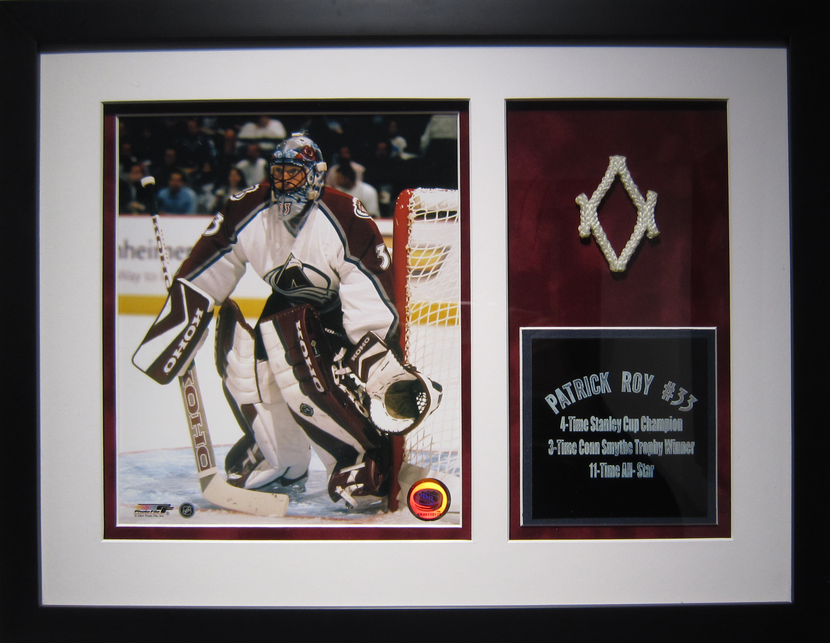Sports Memorabilia     Net Piece from Patrick Roy's Final Game